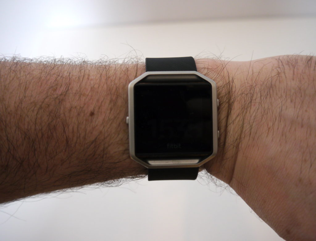Ce tracker ressemble à une montre classique