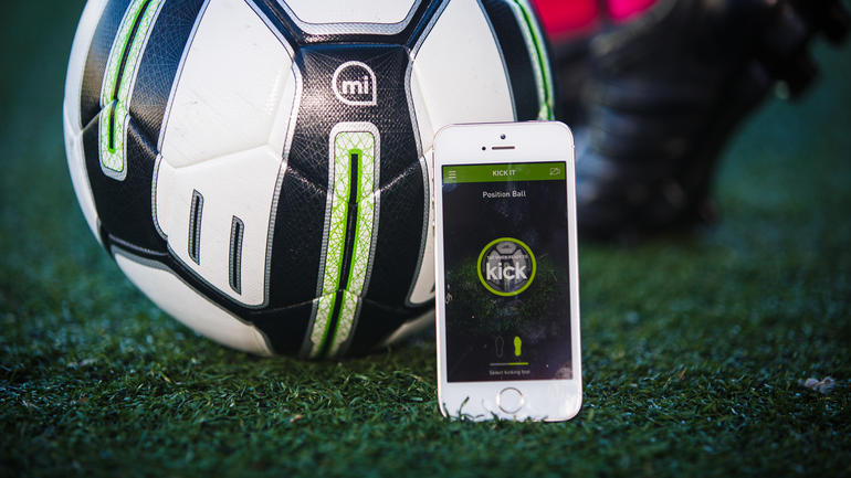 Découvrez les 7 meilleurs objets connectés dédiés au football avant l'Euro 2016