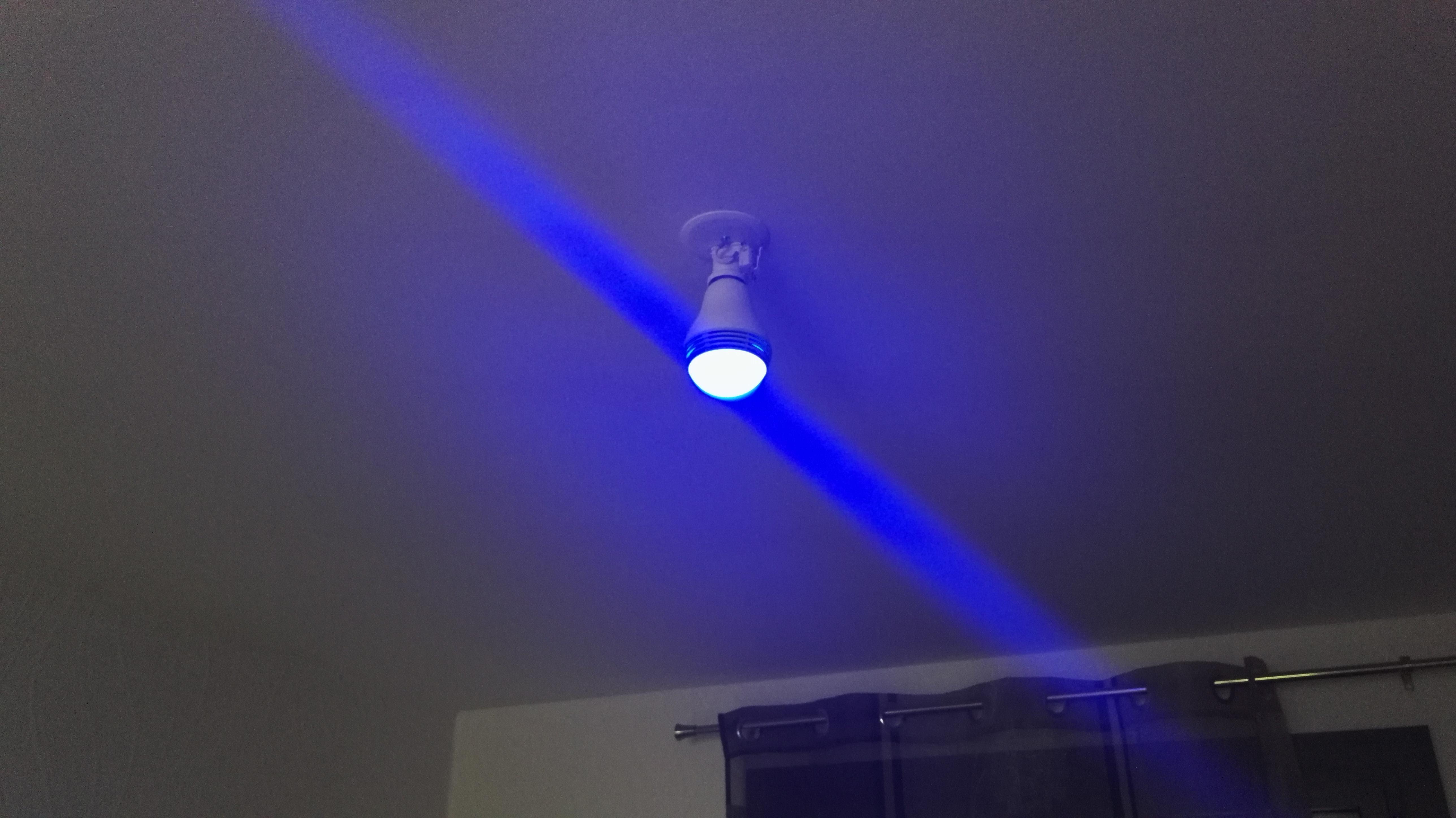 Notre test de l'ampoule connectée Mipow Playbulb Color