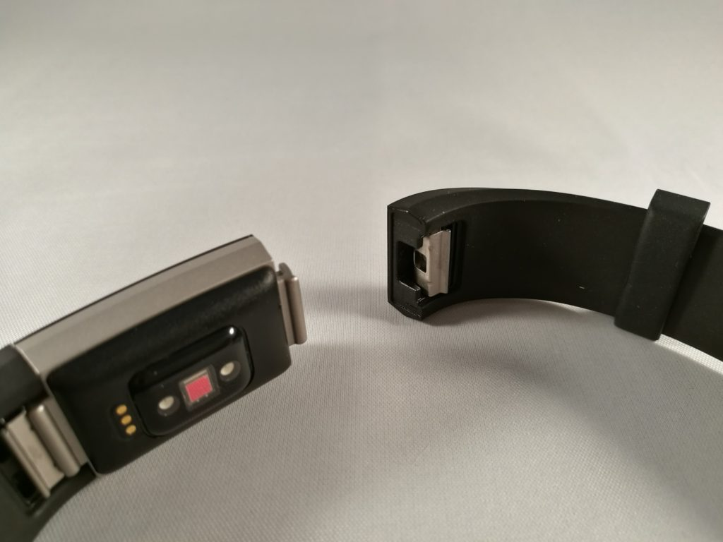 Le Charge 2 a des bracelets interchangeables