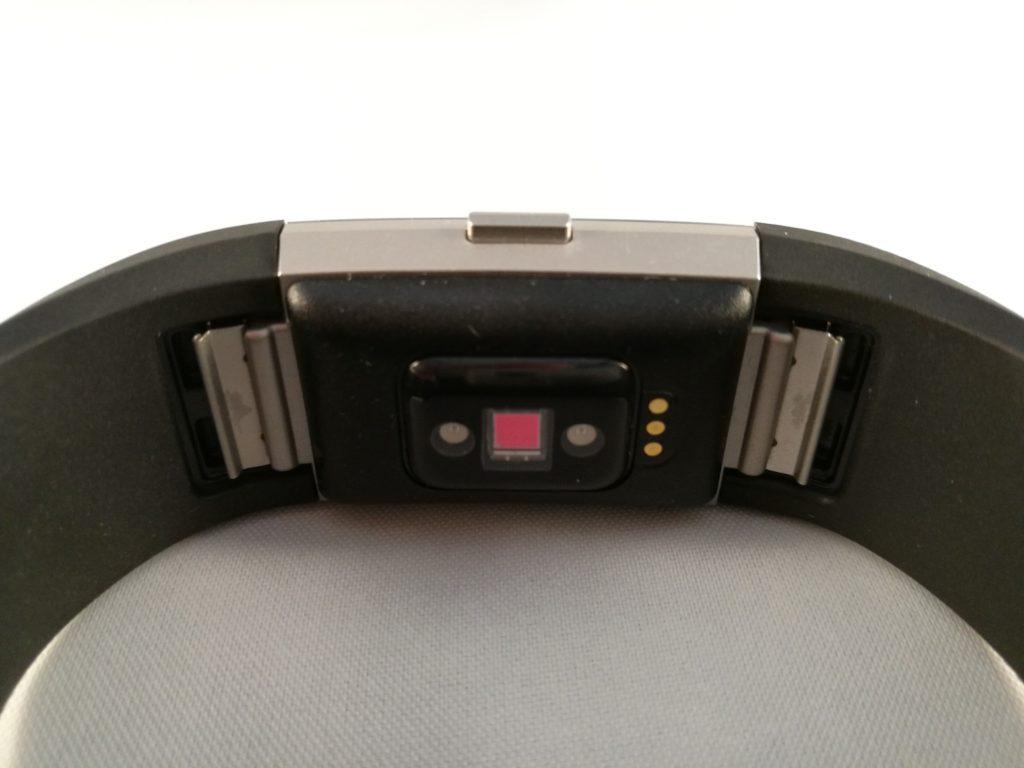 Le capteur cardiaque du Charge 2 fonctionne 24/7.