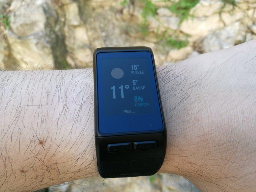 La montre connectée possède des widgets classiques comme la météo.