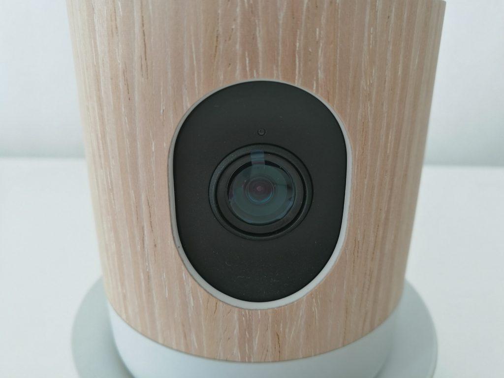 Le capteur de 5 MP filme en 1080p à 30 fps.