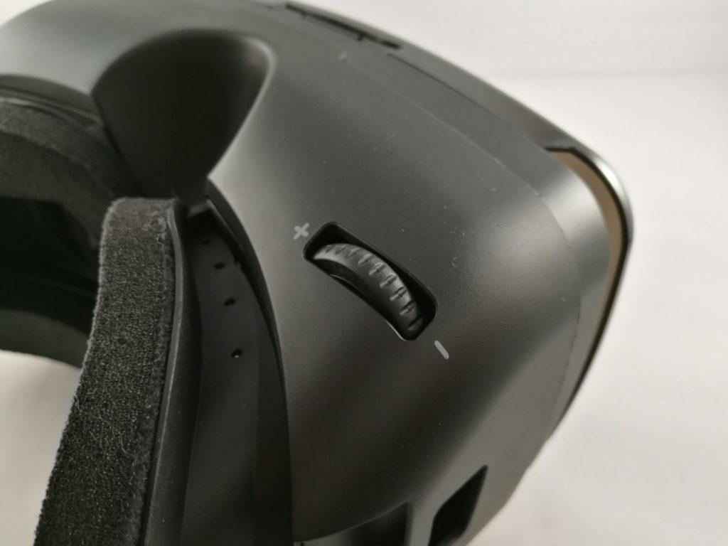 La molette du bas gère l'espace inter-pupillaire.