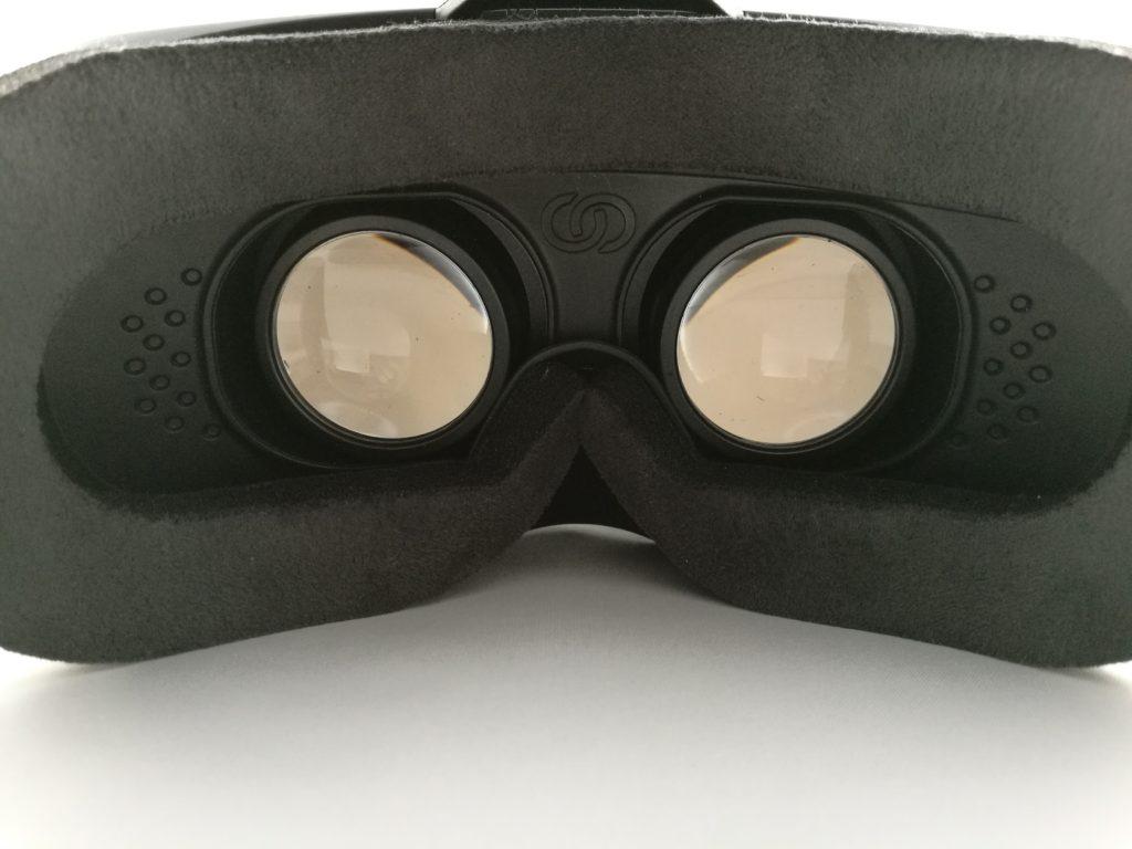 Les lentilles assurent un champ de vision correct.
