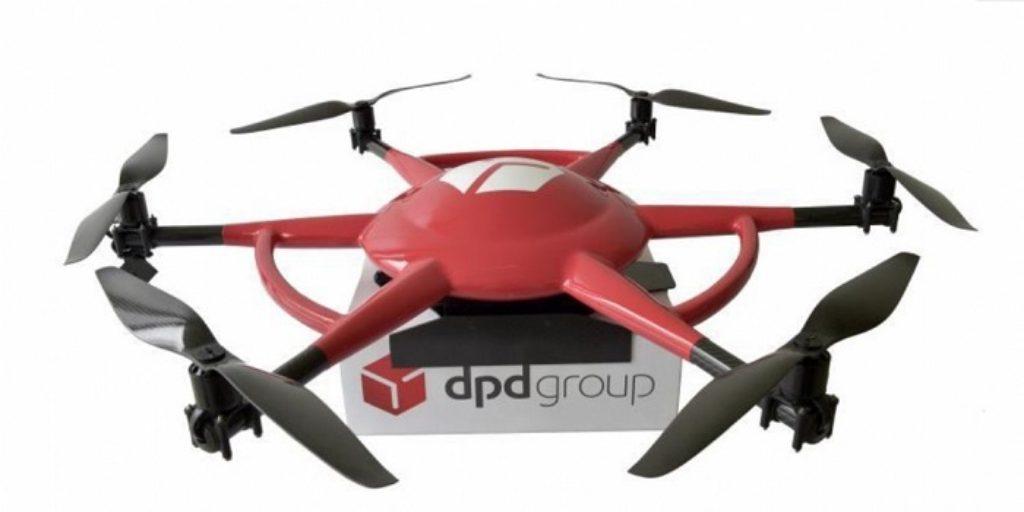 La Poste livre une fois par semaine des entreprises reculées dans le Var grâce à des drones automatisés.