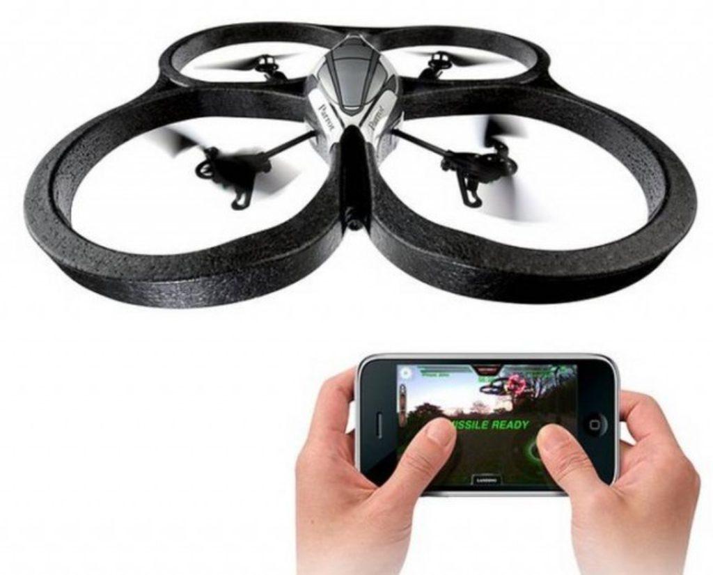 L'appairage consiste à lier (bind en anglais) le drone à sa télécommande.