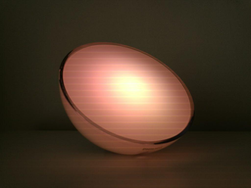 La lampe Hue Go bénéficie d'un design agréable et moderne.