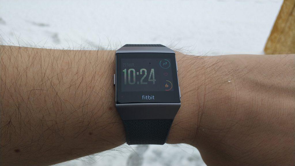 Design de la montre coach Fitbit Ionic