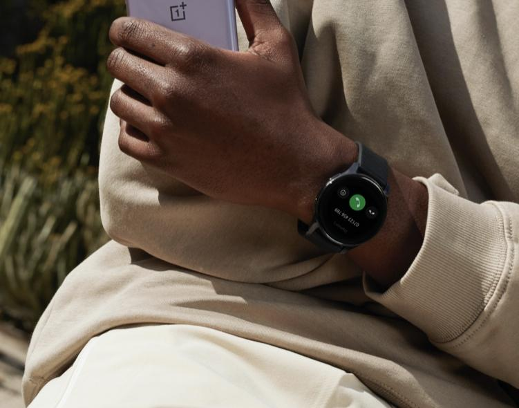 Oneplus Watch - maintenant il est officiellement lancé